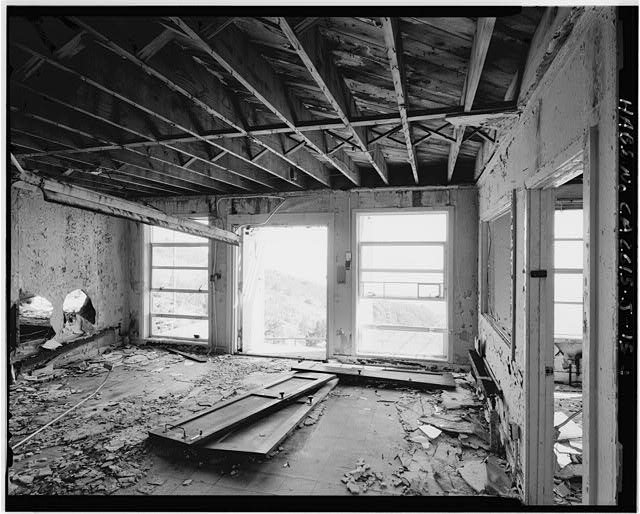 Mill Valley Early Warning Radar Station  INTERIOR OF THE MAIN ENTRY OF THE BACHELOR AIRMEN QUARTERS, BUILDING 204, LOOKING SOUTH-SOUTHWEST.